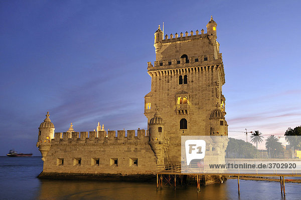 Torre de Belem  defensive fortification from the 16th century  UNESCO World Heritage Site  at the mouth of the Tagus River  Belem  Lisbon  Portugal  Europe