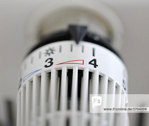 Thermostat  Symbolbild Heizkosten  Energiekosten