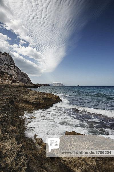 Felsküste bei Arkassa  Insel Karpathos  Ägäische Inseln  Ägäis  Dodekanes  Griechenland  Europa