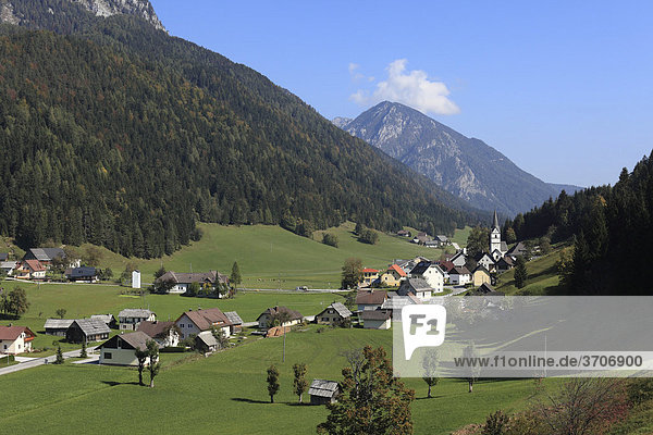 The village Zell or Sele  Karawanken mountain range  Carinthia  Austria  Europe