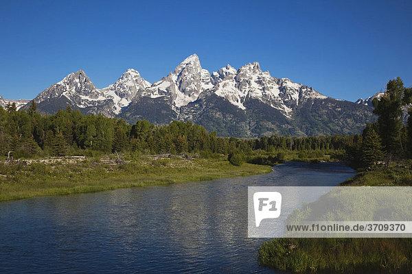 Grand Teton Range Gebirgszug und Snake River Fluss  Schwabacher Landing  Grand Teton National Park  Wyoming  USA