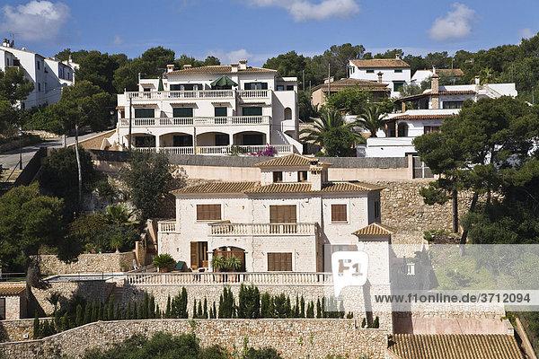 Häuser in der Bucht Cala Santanyi  Mallorca  Balearen  Spanien  Europa