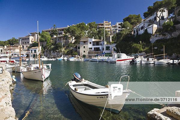 Hafen in Cala Figuera  Fischerboote  Mallorca  Balearen  Mittelmeer  Spanien  Europa