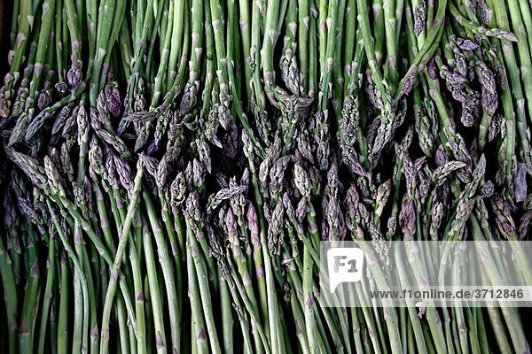 green asparagus green asparagus