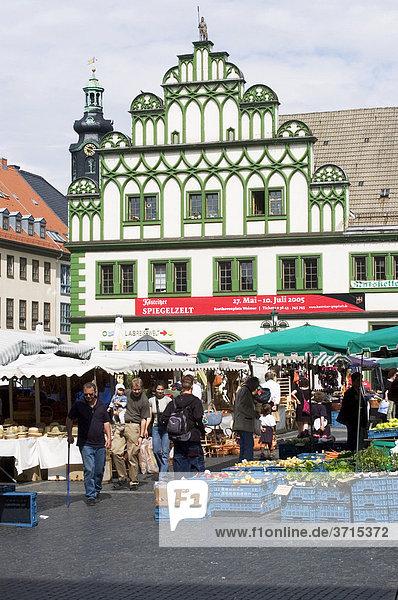 Weimar Thüringen Deutschland Marktplatz mit Haus des Ratskellers