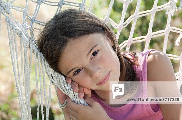 Mädchen in Hängematte  Portrait