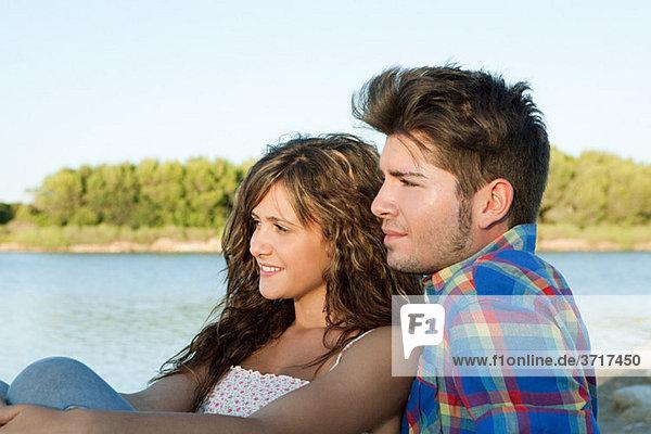 Zärtlich junges paar