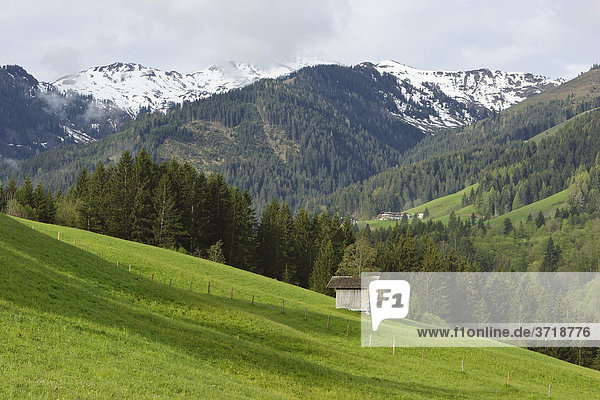 Blick zum Großen Rettenstein bei Aschau am frühen Morgen Tirol Österreich