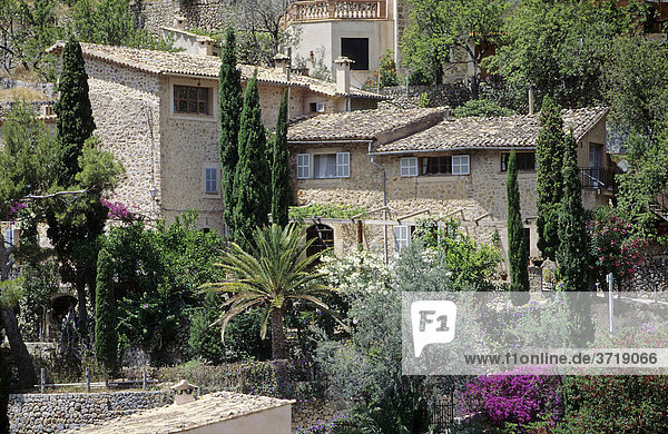 Typische Häuser in Deia auf Mallorca  Spanien