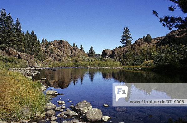 See in der Sierra Nevada  Kalifornien  USA