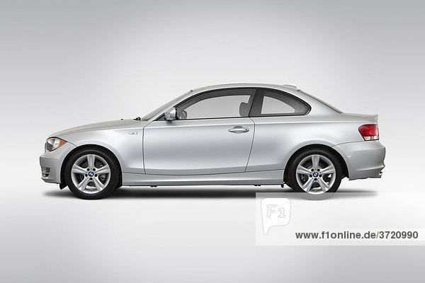 2011 BMW 1er 128i in Silber - Treiber Seitenprofil