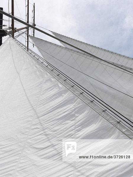 Dreieckiges Focksegel eines Schoners