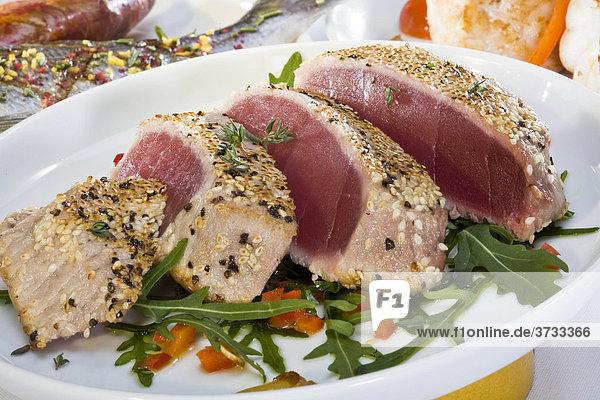Thunfisch-Filet mit Sesamkruste