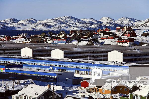 Blick auf Wohnblocks in Nuuk  Grönland