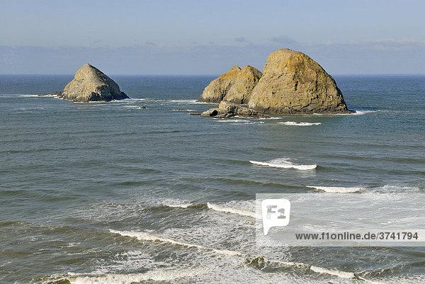 Three Arch Rocks bei Oceanside  Pazifikküste  Oregon USA