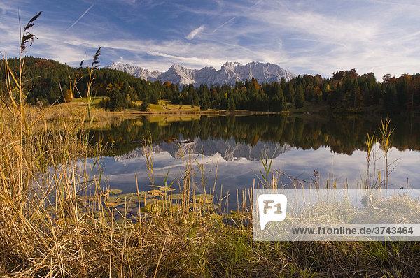 Geroldsee  Wagenbrüchsee  und Nördliche Karwendelkette  Werdenfelser Land  Oberbayern  Bayern  Deutschland  Europa