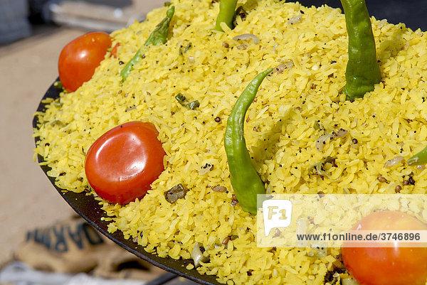 Reis  grüne Chilis und Tomaten  Ram Devra Pilgerfest  Ramdevra  Pokaran  Rajasthan  Nordindien  Indien  Asien
