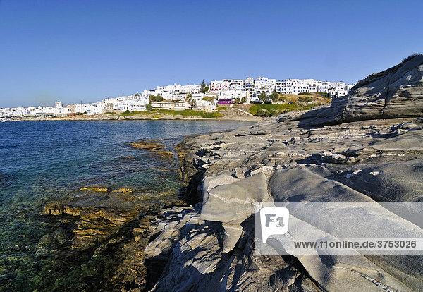 Steinstrand in der Bucht von Kolymbithres vor Naoussa  Paros  Kykladen  Griechenland  Europa
