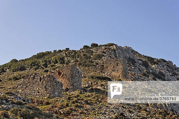Ruinen von Windmühlen am Rand der Lasithi-Hochebene  Kreta  Griechenland
