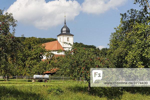 Streuobstlehrpfad in Hausen  Rhön-Grabfeld  Unterfranken  Bayern