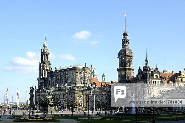 Theaterplatz  Residenzschloss und Hofkirche Dresden Sachsen Deutschland