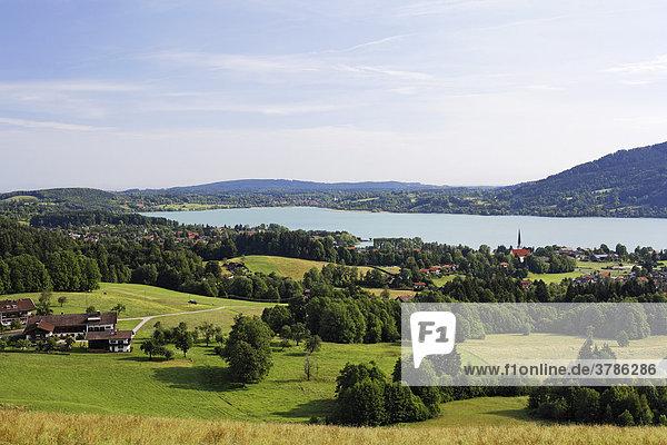 Tegernsee mit Bad Wiessee  Oberbayern   Deutschland