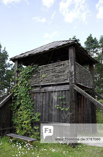 Eingangstor zum Wikingerdorf Vikingabyn bei Tofta  Gotland  Schweden