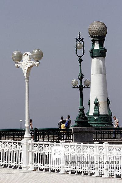 Stadt der 100 Laternen San Sebastian Spanien