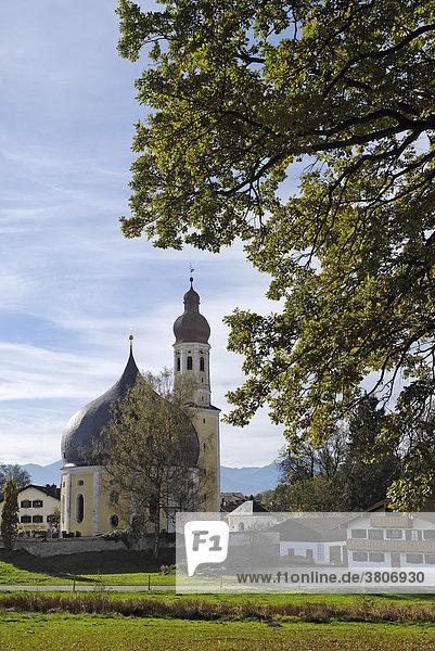 Westerndorf Stadt Rosenheim Oberbayern Bayern Deutschland Wallfahrtskirche Hl. Kreuz