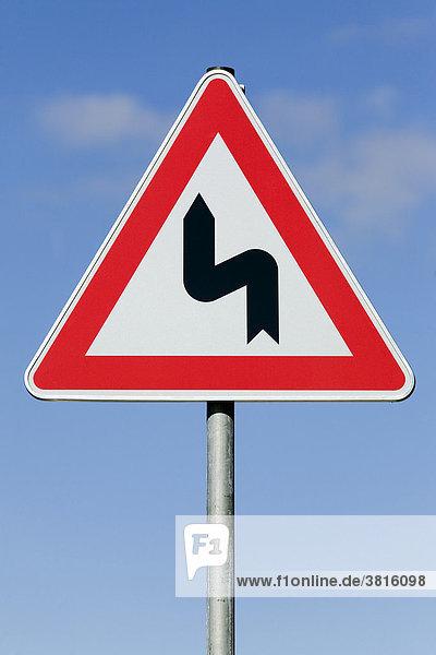 Attention sharp turn