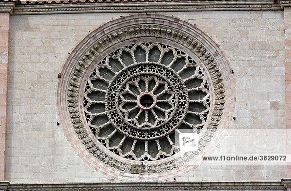 Kirchenfenster  Todi  Umbrien  Italien