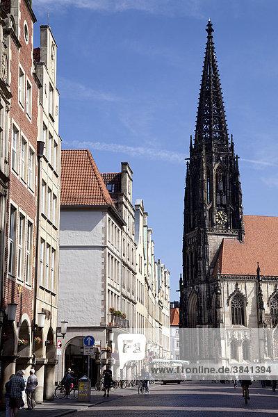 Prinzipalmarkt street  market and town church of St. Lamberti  Muenster  Muensterland  North Rhine-Westfalia  Germany  Europa