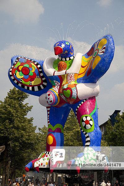 Lifesaver  Skulptur von Niki de Saint Phalle  Königstraße  Duisburg  Ruhrgebiet  Nordrhein-Westfalen  Deutschland  Europa Lifesaver, Skulptur von Niki de Saint Phalle, Königstraße, Duisburg, Ruhrgebiet, Nordrhein-Westfalen, Deutschland, Europa