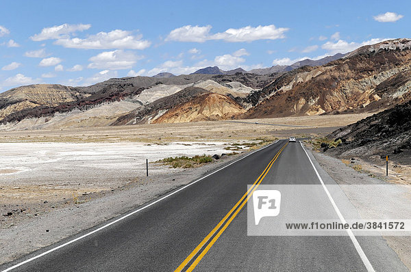 National road 178 in Death Valley  Death Valley National Park  California  USA  North America