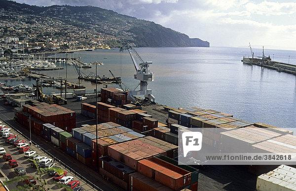 Containerhafen  Export von Bananen  Funchal  Madeira  Europa