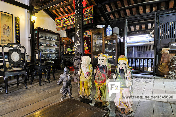 Chinese deities in the Phung Hung House  Hoi An  Vietnam  Southeast Asia