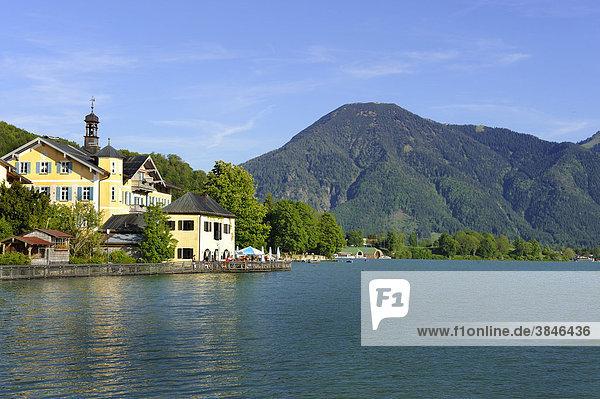 Tegernsee  Ortschaft Tegernsee  Wallberg  Oberbayern  Bayern  Deutschland  Europa