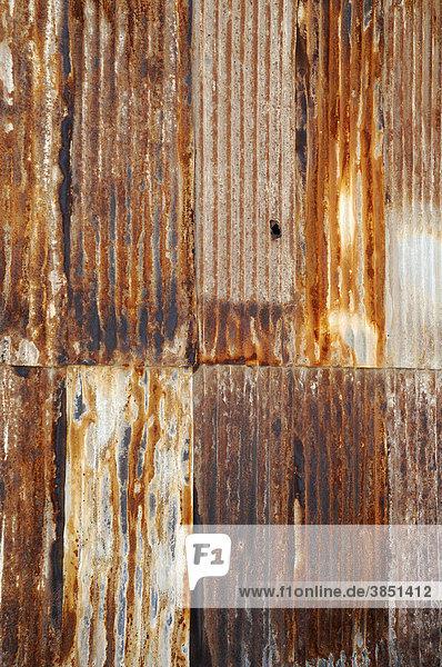Rostiges Wellblech  Salpeterwerke  verlassene Salpeterstadt  Geisterstadt  Museum  Unesco Weltkulturerbe  Humberstone  Iquique  Norte Grande  Nordchile  Südamerika