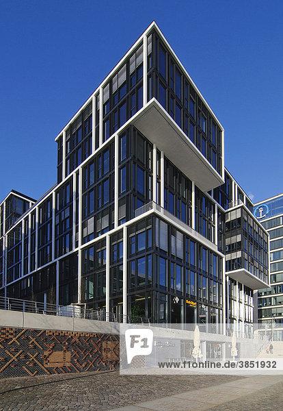 Modernes Wohnhaus und Bürohaus am Kaiserkai in der Hamburger Hafencity  Hafen City  Hamburg  Deutschland  Europa