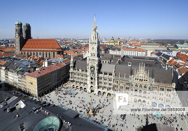 View from the Alter Peter church or church of St. Peter on the Marienplatz square  the city hall and the Liebfrauenkirche Church of Our Lady  Munich  Bavaria  Germany  Europe