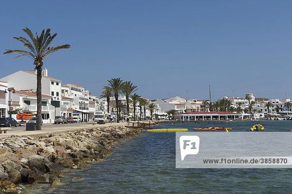 Die kleine Hafenstadt Fornells im Norden von Menorca  Balearen  Spanien  Europa