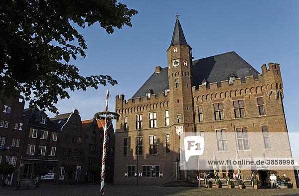 Historic city hall  Kalkar  Lower Rhine region  North Rhine-Westphalia  Germany  Europe