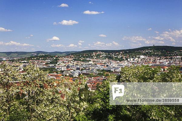 Aussicht vom Bismarckturm auf Stuttgart  Baden-Württemberg  Deutschland  Europa