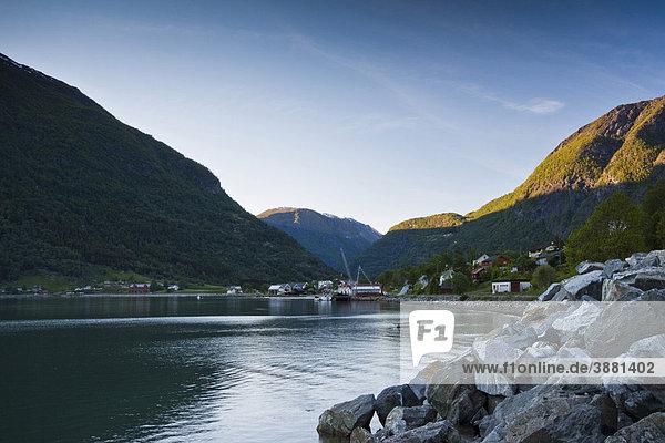 Der Ort Skjolden am Nordende des Lustrafjord  Norwegen  Skandinavien  Europa