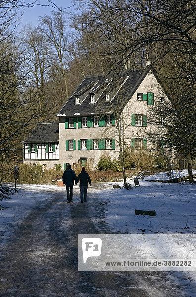 Winkelsmühle  alte Wassermühle  im Neandertal bei Düsseldorf  Nordrhein-Westfalen  Deutschland  Europa