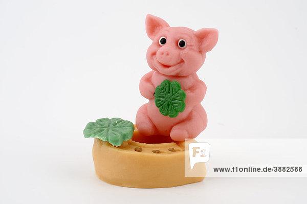 Glücksklee Glückssymbol Hufeisen Marzipan Neujahr Schwein