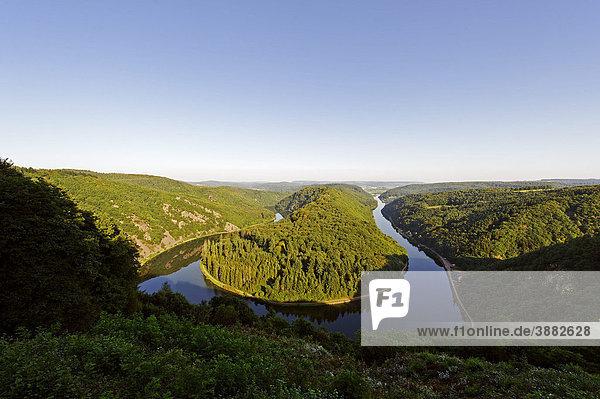 Saarschleife vom Aussichtspunkt Cloef bei Orscholz  Mettlach  Saarland  Deutschland  Europa