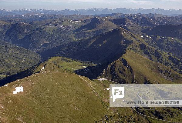 Nockalmstraße  Schiestlscharte  Luftaufnahme  Nationalpark Nockberge  Kärnten  Österreich  Europa