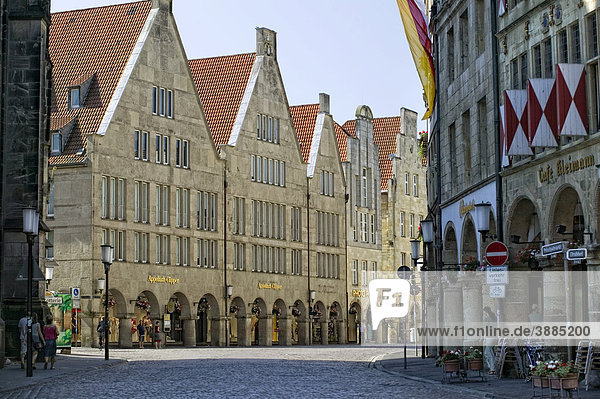 Giebelhäuser auf dem Prinzipalmarkt  Münster  Nordrhein-Westfalen  Deutschland  Europa