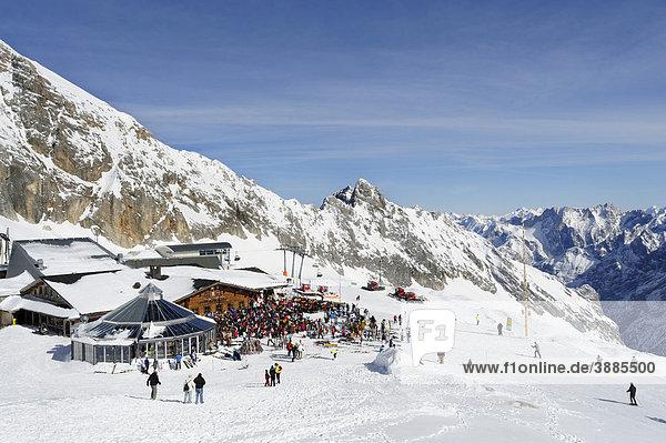 Sonn Alpin auf dem Zugspitzplatt  Zugspitze  Wettersteingebirge  Werdenfels  Oberbayern  Bayern  Deutschland  Europa